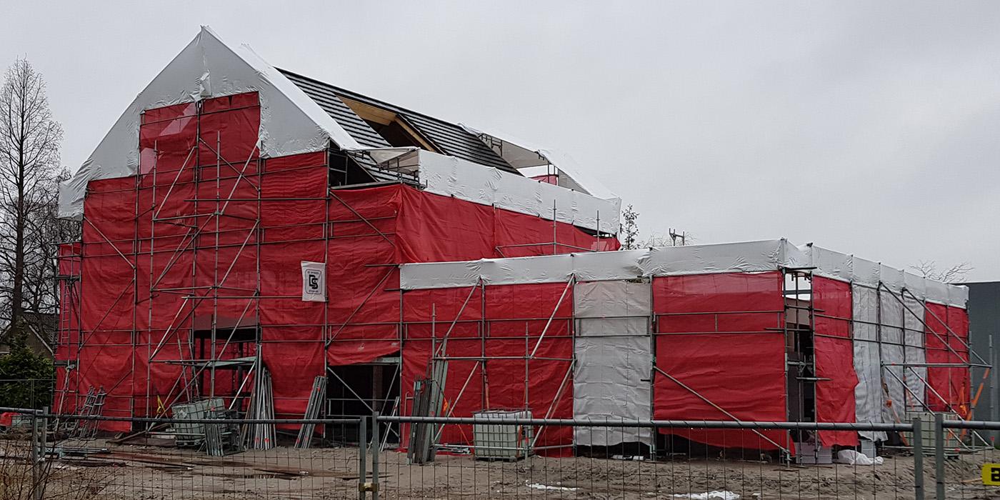 Nieuwbouw woning in de steigers